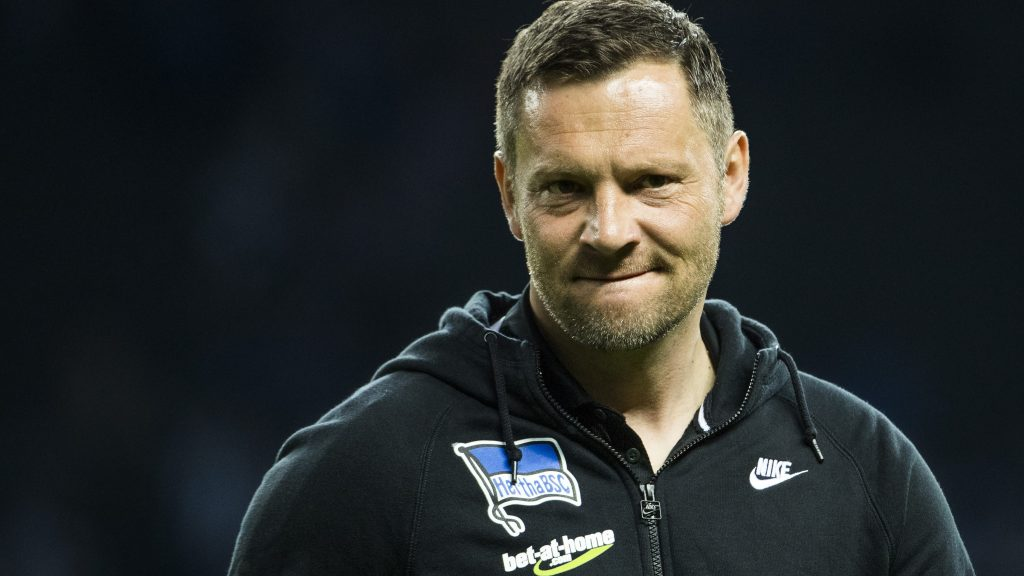 Berlin's Hungarian head coach Pal Dardai is seen during the warm up prior to the German First division Bundesliga football match Hertha Berlin v Hoffenheim at the Olympic Stadium in Berlin, on March 31, 2017. / AFP PHOTO / Odd ANDERSEN / RESTRICTIONS: DURING MATCH TIME: DFL RULES TO LIMIT THE ONLINE USAGE TO 15 PICTURES PER MATCH AND FORBID IMAGE SEQUENCES TO SIMULATE VIDEO. == RESTRICTED TO EDITORIAL USE == FOR FURTHER QUERIES PLEASE CONTACT DFL DIRECTLY AT + 49 69 650050