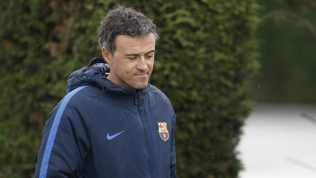Barcelona's coach Luis Enrique arrives for a press conference after a training session at the Sports Center FC Barcelona Joan Gamper in Sant Joan Despi, near Barcelona on April 1, 2017. / AFP PHOTO / PAU BARRENA