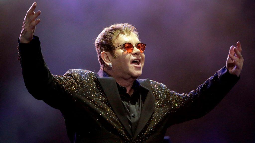 British singer, pianist and composer Elton John performs at Allianz Parque, in Sao Paulo, southeastern Brazil, on April 6, 2017. Photo: WERTHER SANTANA/ESTADAO CONTEUDO