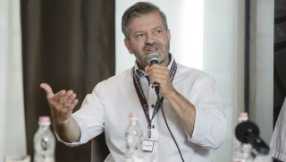 Eger, 2016. május 27. Doncsev András, a Nemzeti Kulturális Alap alelnöke a Cseh Tamás Program 2016 címû elõadáson a IV. Music Hungary konferencián az egri Imola Hotel Platán szállodában 2016. május 27-én. MTI Fotó: Komka Péter