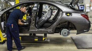 Kecskemét, 2015. január 20.Gyártósor a Mercedes-Benz kecskeméti gyárában, ahol bemutatták az első hazai gyártású CLA Shooting Brake modellt 2015. január 20-án.MTI Fotó: Ujvári Sándor