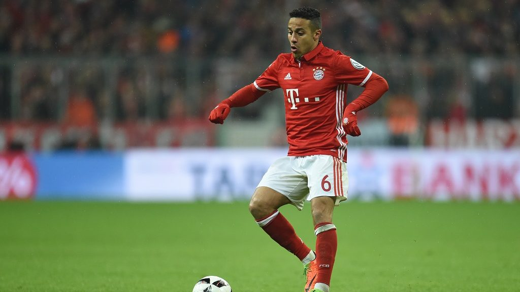Bayern's Thiago Alcantara in action during the DFBGerman Cup semi-final soccer match between Bayern Munich and Borussia Dortmund in the Allianz Arena inMunich,Germany, 26April 2017. Photo: Andreas Gebert/dpa