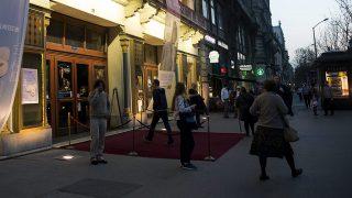 Budapest, 2016. április 7.A budapesti Uránia Nemzeti Filmszínház a 23. Titanic Nemzetközi Filmfesztivál első napján, 2016. április 7-én. A filmfesztiválon negyvenkét külföldi és magyar film szerepel, amelynek versenyprogramjában az idén kilenc filmet, köztük kanadai és kínai alkotást láthatnak az érdeklődők április 16-ig. A filmeket az Urániában, a Toldi, Puskin és Sugár moziban, valamint az A38 hajón vetítik.MTI Fotó: Kallos Bea