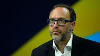 Jimmy Wales, co-founder and promoter of the online non-profit encyclopedia Wikipedia attends the Viva Technology event in Paris on June 30, 2016. / AFP PHOTO / ERIC PIERMONT