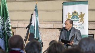 Budapest, 2017. május 10. Bácskai János, Ferencváros polgármestere beszédet mond Springer Ferenc, az FTC alapítója emléktáblájának avatásán Budapesten, a Hõgyes utcában 2017. május 10-én. MTI Fotó: Szigetváry Zsolt