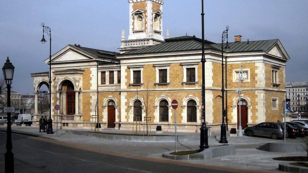 Épület - Budapest - A Várkert Palota