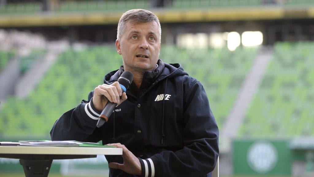 Budapest, 2016. április 21. Kubatov Gábor, az FTC elnöke beszél a csapat szurkolóival rendezett találkozón a budapesti Groupama Arénában 2016. április 21-én. MTI Fotó: Kovács Tamás