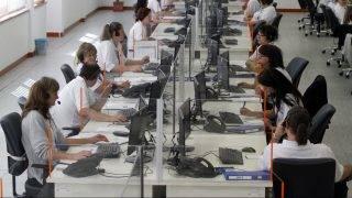 Miskolc, 2014. szeptember 9. Az egységes segélyhívó rendszer újonnan átadott hívásfogadó központja Miskolcon 2014. szeptember 9-én. MTI Fotó: Vajda János