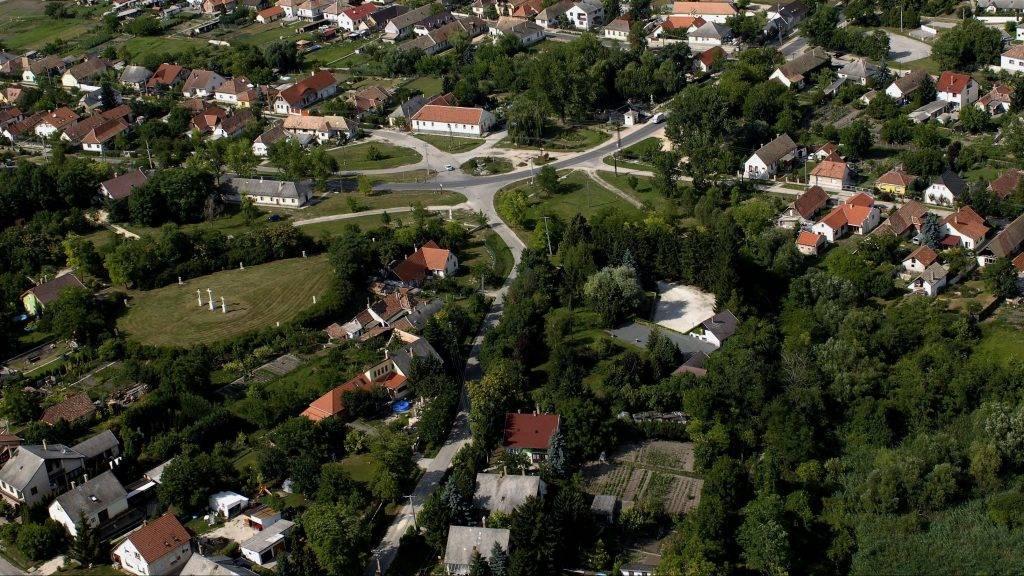 Etyek, 2007. július 3. Etyek település részlete. MTI Fotó: H. Szabó Sándor
