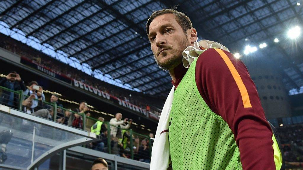 Francesco Totti of Roma looks on during the Italian Serie A soccer match between AC Milan and Roma in Milan, Italy, on May 7, 2017. Roma won 4-1. (/Alberto Lingria)(wll)