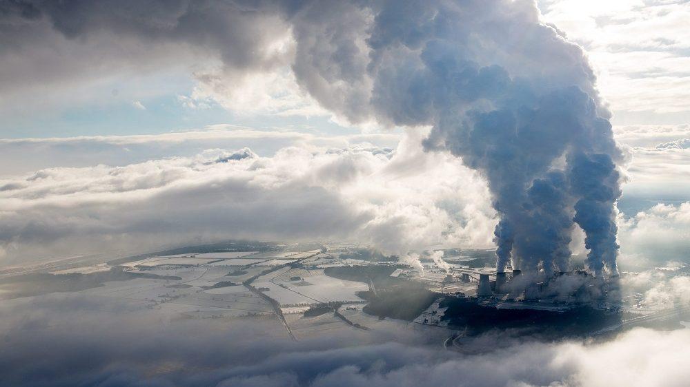 Jänschwalde, 2016. január 18. Légi felvétel a Vattenfall svéd energiavállalat barnaszén erõmûvérõl a német-lengyel határ közelében fekvõ Jänschwaldében 2016. január 18-án. (MTI/EPA/Patrick Plül)