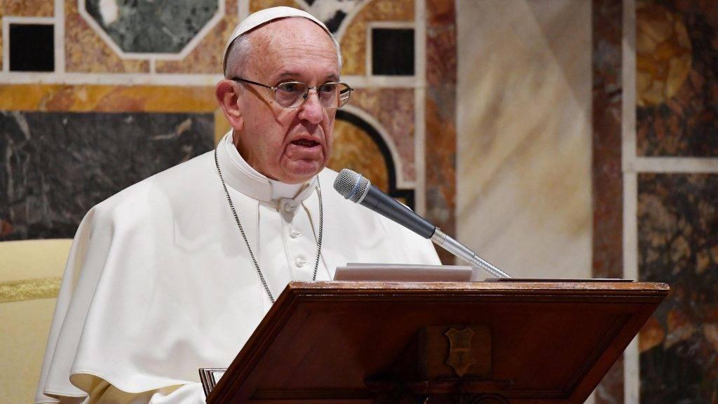 Vatikánváros, 2017. január 9. Ferenc pápa a Vatikánba akkreditált diplomáciai testület tagjaihoz beszél az új év alkalmából tartott fogadáson a Vatikánban 2017. január 9-én. (MTI/EPA pool/Alberto Pizzoli)