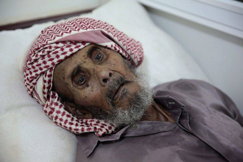 Szanaa, 2017. május 15. Koleragyanús beteg egy szanaai kórházban 2017. május 15-én. Az ENSZ jemeni humanitárius koordinátora szerint eddig 115 halálos áldozata van a jemeni kolerajárványnak. (MTI/AP/Hani Mohammed)