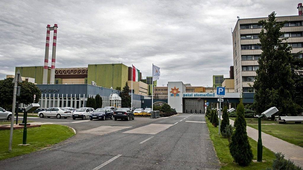 Paks, 2014. augusztus 14.A paksi atomerőmű 2014. augusztus 14-én. Az erőműben tartott sajtótájékoztatón bejelentették, hogy Oroszországba szállították a paksi atomerőmű 2003-as üzemzavara során megsérült üzemanyag-kazettákat.MTI Fotó: Sóki Tamás