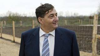 Alcsútdoboz, 2014. november 18.Mészáros Lőrinc (Fidesz-KDNP) felcsúti polgármester a Búzakalász 66 Felcsút Kft. bányavölgyi mangalicatelepének avatásán a Fejér megyei Alcsútdobozon 2014. november 18-án.MTI Fotó: Koszticsák Szilárd