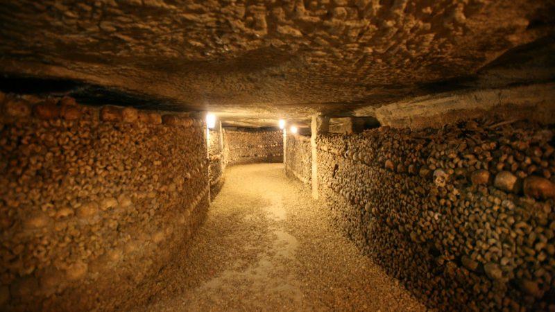 France, paris 14e, Catacombes - (entree place Denfert Rochereau), ossements, souterrain, Photo Gilles Targat