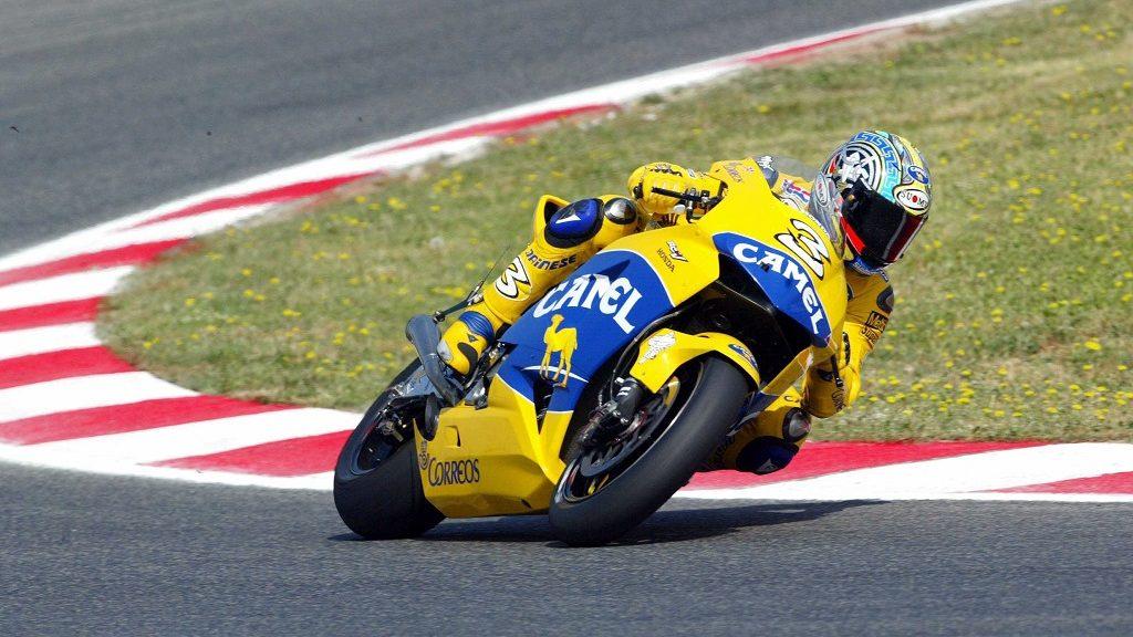 Max Biaggi au Grand Prix de Catalunya (Espagne), Classe Moto GP, le 13/06/2004. ©Greve/Farabola/Leemage