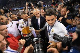 CARDIFF, WALES - JUNE 03:  Zinedine Zidane, Manager of Real Madrid celebrates after the UEFA Champions League Final between Juventus and Real Madrid at National Stadium of Wales on June 3, 2017 in Cardiff, Wales.  (Photo by Matthias Hangst/Getty Images)