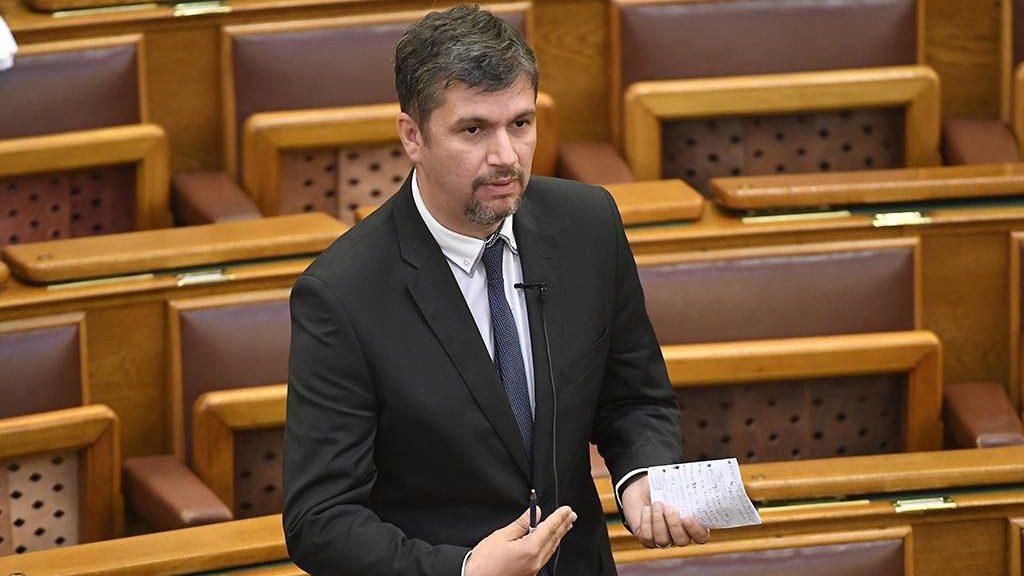 Budapest, 2017. június 6.Hadházy Ákos, az LMP képviselője napirend előtt felszólal az Országgyűlés plenáris ülésén 2017. június 6-án.MTI Fotó: Kovács Tamás