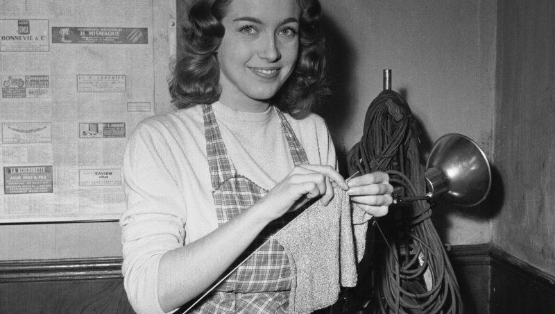 """Marie Dubois sur le tournage du film de François Truffaut, """"Tirez sur le pianiste"""", 1959.      ADR-348-022"""
