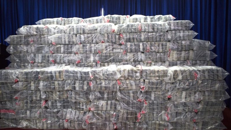 View of the the seizure of the more than 860 kg of cocaine divided into 860 packages in Santo Domingo on June 14, 2017 for which one Colombian citizen was arrested by Dominican National Drug Control (DNCD) agents so far.  / AFP PHOTO / Erika SANTELICES