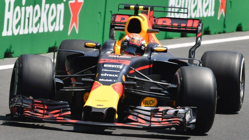 Red Bull's Dutch driver Max Verstappen steers his car during the first practice session of the Formula One Azerbaijan Grand Prix at the Baku City Circuit on June 23, 2017. / AFP PHOTO / Alexander NEMENOV