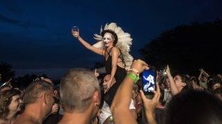 Kapolcs, 2017. július 23.Pásztor Anna énekel az Anna and the Barbies együttes koncertjén Kapolcson a 27. Művészetek Völgye kulturális fesztiválon 2017. július 23-án.MTI Fotó: Szigetváry Zsolt
