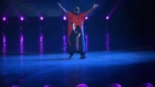 Budapest, 2017. július 14. CeeLo Green háromszoros Grammy-díjas amerikai énekes 17. vizes világbajnokság megnyitóján a Lánchíd pesti hídfõjénél, a Duna vizén kialakított alkalmi színpadon 2017. július 14-én. MTI Fotó: Koszticsák Szilárd