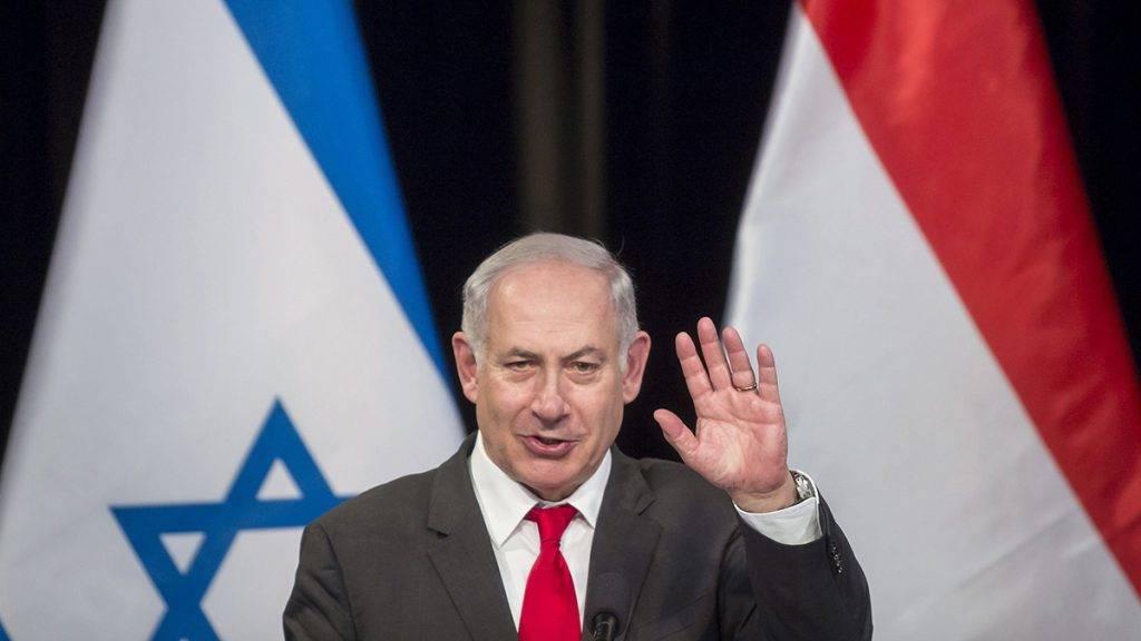 Budapest, 2017. július 19.Az Orbán Viktor miniszterelnök vendégeként hivatalos látogatáson Magyarországon tartózkodó Benjámin Netanjahu izraeli miniszterelnök beszédet mond a Magyarországi Zsidó Hitközségek Szövetsége (Mazsihisz) Goldmark termében 2017. július 19-én. A magyar miniszterelnök és izraeli vendége a látogatással a Mazsihisz meghívásának tesz eleget.MTI Fotó: Mohai Balázs