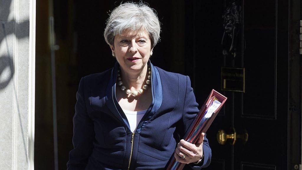 Szavaznak, hogy bukjon-e a brit zombikormány