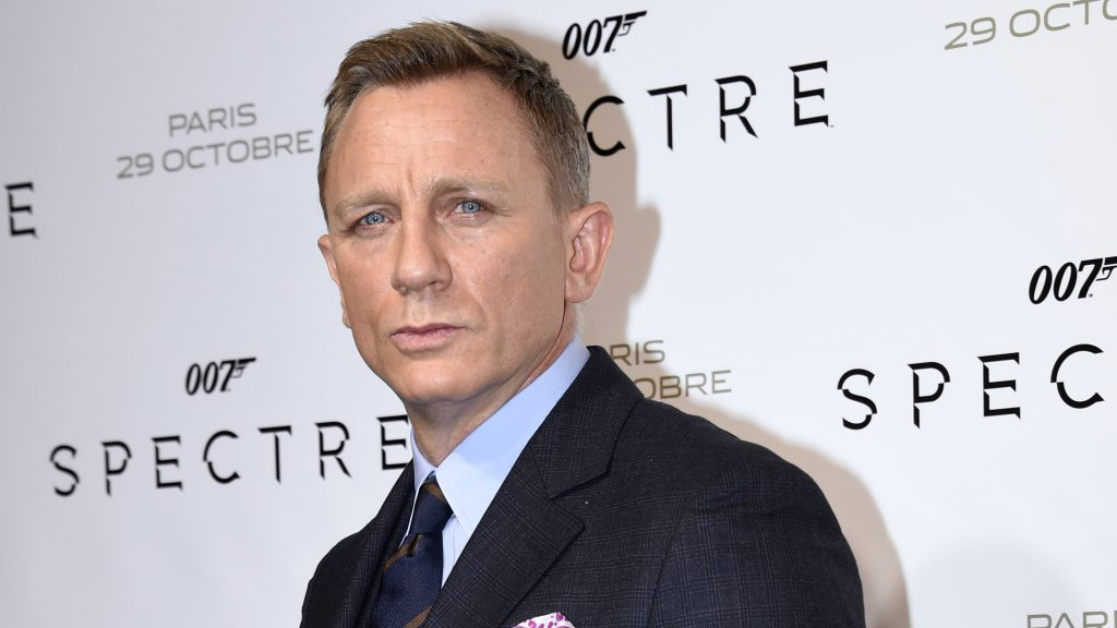 British actor Daniel Craig poses during the French premiere of the new James Bond film 'Spectre' on October 29, 2015 in Paris. AFP PHOTO / MIGUEL MEDINA / AFP PHOTO / MIGUEL MEDINA