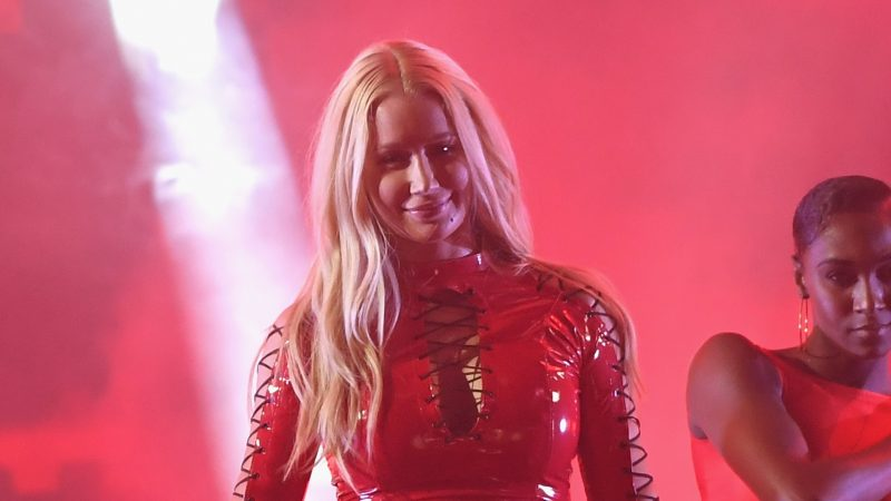 """CORAL GABLES, FL - JULY 06: Iggy Azalea performs on stage during Univision's """"Premios Juventud"""" 2017 Celebrates The Hottest Musical Artists And Young Latinos Change-Makers at Watsco Center on July 6, 2017 in Coral Gables, Florida.   Rodrigo Varela/Getty Images for Univision/AFP"""