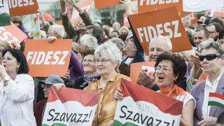 Baja, 2014. március 31.Résztvevők Orbán Viktor miniszterelnök választási gyűlésén a bajai Szentháromság téren 2014. március 31-én.MTI Fotó: Ujvári Sándor