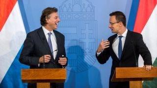Szijjártó Péter és a holland külügyminiszter sajtótájékoztatója