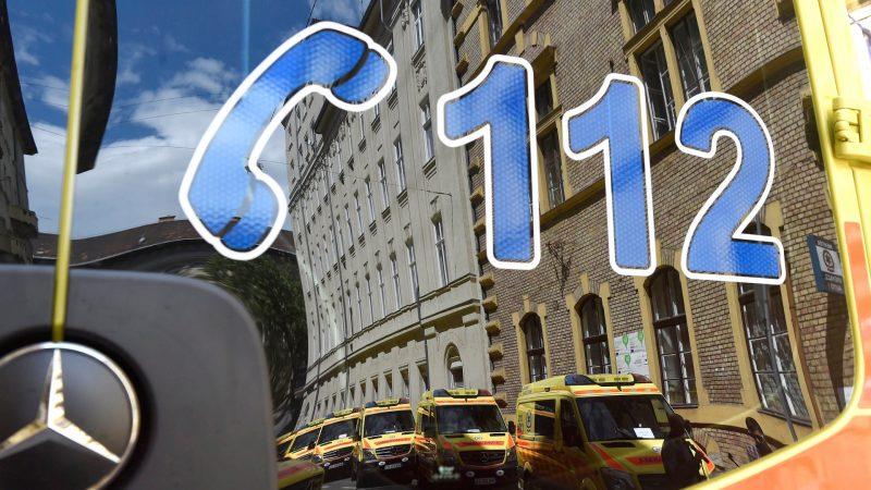 Húsz új mentőautó állt szolgálatba
