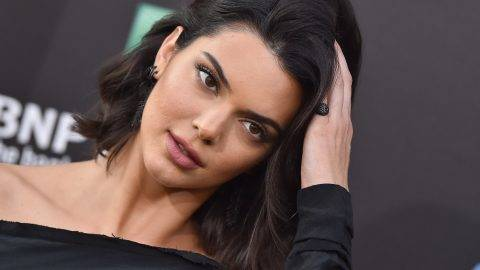 HOLLYWOOD, CA - JULY 17:  Model Kendall Jenner arrives at the Los Angeles premiere of 'Valerian and the City of a Thousand Planets' at TCL Chinese Theatre on July 17, 2017 in Hollywood, California.  (Photo by Axelle/Bauer-Griffin/FilmMagic)