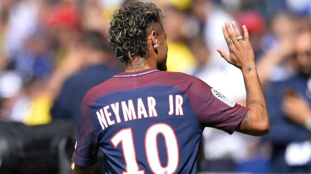 PARIS, FRANCE - AUGUST 05:  Neymar of Paris Saint-Germain reacts as he is presented to the fans before the Ligue 1 match between Paris Saint-Germain and Amiens at Parc des Princes on August 5, 2017 in Paris, France.  (Photo by Aurelien Meunier/Getty Images)