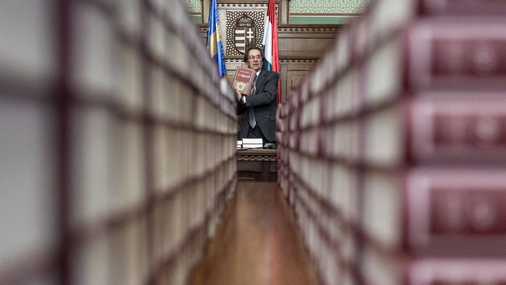 Budapest, 2017. március 3.Kerényi Imre miniszterelnöki megbízott a Nemzeti Könyvtár sorozatában megjelent új köteteket bemutató sajtótájékoztatón az Országházban 2017. március 3-án.MTI Fotó: Szigetváry Zsolt