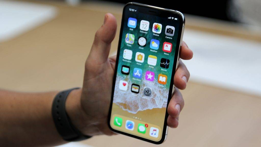 Apple presents the new iPhone X at the Steve Jobs Theatre in the Apple Park, the new company's headquarter of the iPhone manufacturer in Cupertino, US, 12 September 2017. The new top model does not have the ordinary Home-Button and unlocks the phone via facial recognition (Face ID) instead of a fingerprint sensor. The device will be launched on the German market on 03 November and will cost from 1,149 euros.· NO WIRE SERVICE · Photo: Christoph Dernbach/dpa