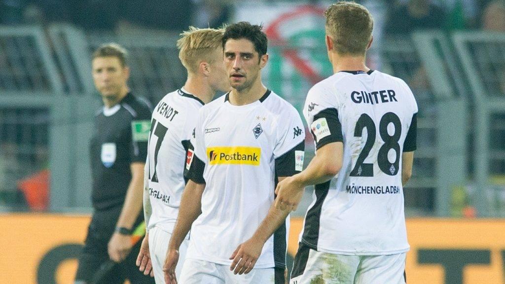 Lars STINDL (mi., MG) ist enttaeuscht, entt_uscht, Entt_uschung, Enttaeuschung, traurig, frustriert, Frust, gefrustet,  Fussball 1. Bundesliga, 6. Spieltag, Borussia Dortmund (DO) - Borussia Monchengladbach (MG) 6:1, am 23.09.2017 in Dortmund/ Deutschland.  | Verwendung weltweit
