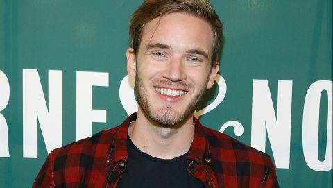 """NEW YORK, NY - OCTOBER 29: PewDiePie signs copies of his new book """"This Book Loves You"""" at Barnes & Noble Union Square on October 29, 2015 in New York City.   John Lamparski/Getty Images/AFP"""