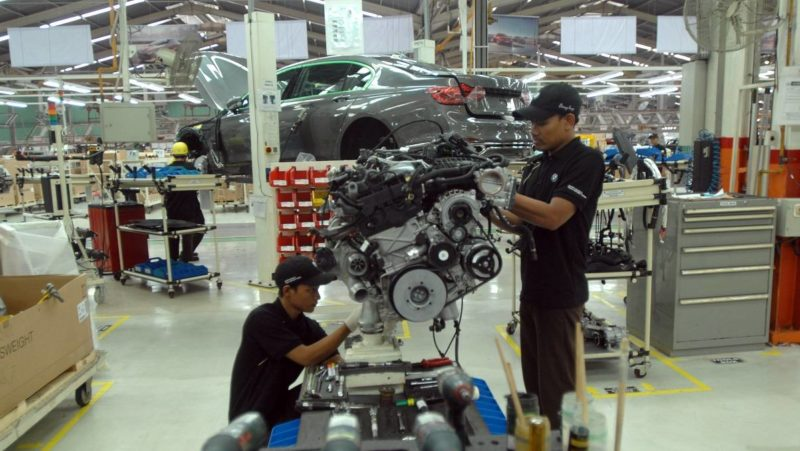 JAKARTA, INDONESIA, NOV-30 : A newly assembled all-new BMW 7 series automobile is seen at the BMW Production Network 2, Gaya Motor production plant in Jakarta, Indonesia on November 30,  2016. BMW 730 Li is equipped with a 2.0 liter four-cylinder engine Twin Power Turbo is equipped with double VANOS with a power of 258 hp at 4000 rpm rotation. While the round of 2000 to 2500 rpm is 400 Nm. Power generated is distributed to the drive wheels with automatic transmission steptronic 8-speed. Assembling BMW 7 Series in Indonesia adds a barrage of BMW products are assembled in Indonesia. Previously there are some products BMW assembled in Gaya Motor Sunter road, such as the BMW 3 Series, BMW 5 Series, BMW X1, BMW X3 and BMW X5. Dasril Roszandi / Anadolu Agency