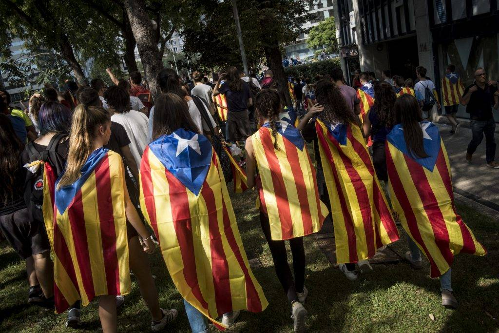 Thousands students march peacefully in the streets of Barcelona, on 28 September 2017  in a pro-referendum demonstration  as part of the 'permanent mobilization' of the Catalan separatists, three days ahead of the referendum on independence banned by Spanish justice. (Photo by Guillaume Pinon/NurPhoto)