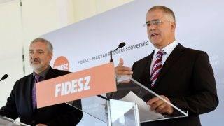 Sajtótájékoztató a Fidesz-KDNP frakciószövetség kihelyezett ülésén