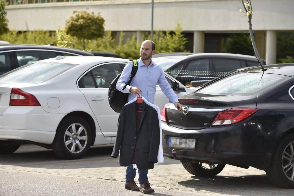 Velence, 2017. szeptember 13. Hollik Istán, a kereszténydemokrata párt parlamenti képviselõje érkezik a Fidesz-KDNP frakciószövetség háromnapos kihelyezett ülésére a velencei Velence Resort & Spa szállodához 2017. szeptember 13-án. MTI Fotó: Máthé Zoltán