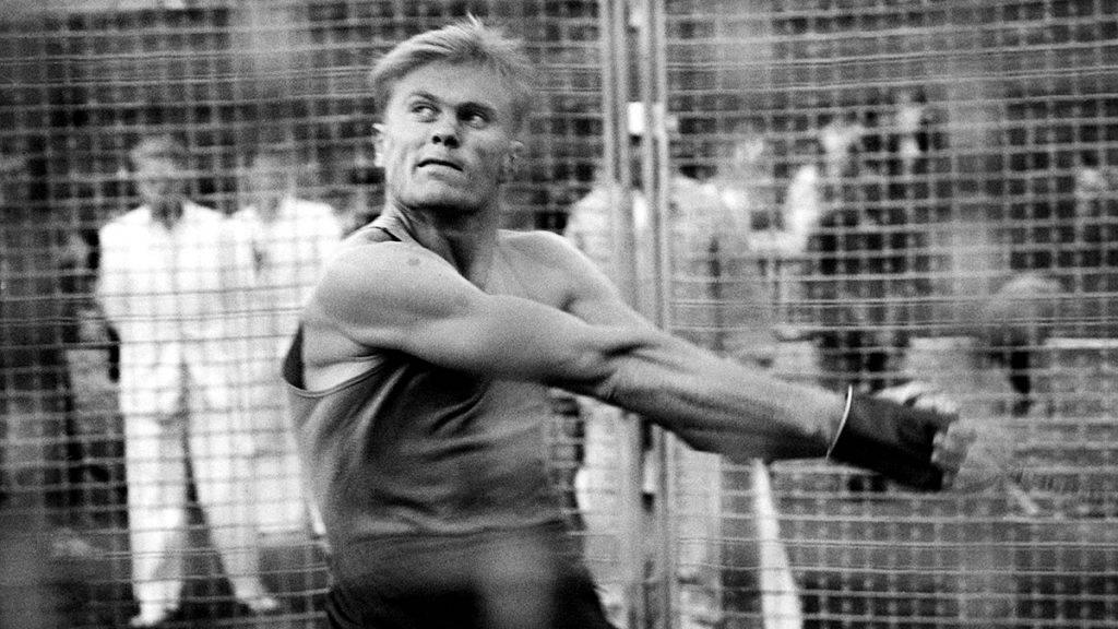 Budapest, 1961. szeptember 10.Zsivótzky Gyula olimpiai bajnok kalapácsvető, sportvezető,1937. február 25-én született Budapesten.A képen: a Népstadionban megrendezett országos atlétikai bajnokságon kalapácsvetésben Zsivótzky Gyula (Újpesti Dózsa) végzett az első helyen.MTI Fotó: Petrovits László