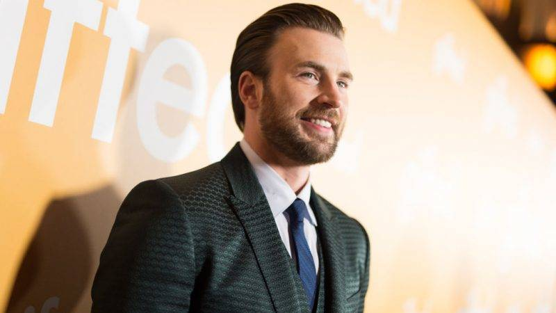 LOS ANGELES, CA - APRIL 04:  Actor Chris Evans arrives at the premiere of Fox Searchlight Pictures' 'Gifted' at Pacific Theaters at the Grove on April 4, 2017 in Los Angeles, California.  (Photo by Emma McIntyre/Getty Images)