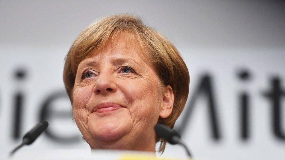 Berlin, 2017. szeptember 24. Angela Merkel német kancellár, a Kereszténydemokrata Unió (CDU) elnöke a párt berlini eredményváró rendezvényén a német parlamenti választások estéjén, 2017. szeptember 24-én. (MTI/EPA/Oliver Lang)