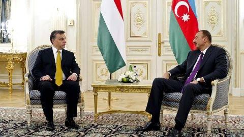 Baku, 2010. szeptember 14.A Bakuban tartott AGRI csúcstalálkozó keretében Orbán Viktor miniszterelnök kétoldalú megbeszélést folytatott Ilham Alijevvel (j), Azerbajdzsán elnökével. A találkozó résztvevői áttekintették a két ország közötti oktatási kapcsolatok fejlesztésének lehetőségét, valamint az Európai Unió keleti kapcsolatrendszerének ügyét.Szabadon felhasználható felvétel.MTI Fotó: Burger Barna