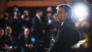 Krakkó, 2016. december 9.A Miniszterelnöki Sajtóiroda által közzétett képen a kétnapos látogatáson Krakkóban tartózkodó Orbán Viktor miniszterelnök felszólal a Közép-Európa - egy térség sorsa a történelem sodrában című, Waclaw Felczak professzor születésének 100. évfordulója alkalmából rendezett konferencián 2016. december 9-én.MTI Fotó: Miniszterelnöki Sajtóiroda / Szecsődi Balázs